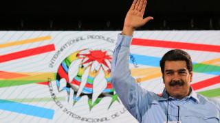 Опасявайки се от санкции, Венецуела иска да изостави SWIFT и да мине на...
