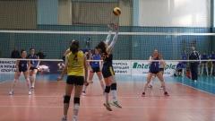 Дамите започват плейофите за волейболната титла
