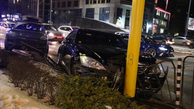 Верижна катастрофа на кръстовището на столичните бул.