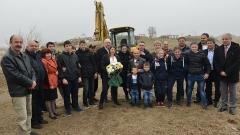 Станка Златева направи първа копка на новата си зала по борба в Сливен