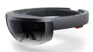 Microsoft предлага очила за добавена реалност за 3000 долара
