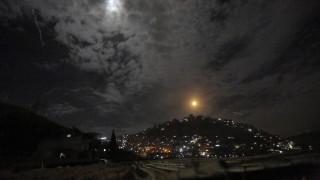 Израел удря позиции на Иран в Сирия