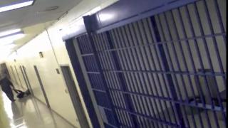 КЗК спря обществените поръчки за храна за затворите
