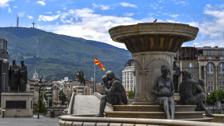 Войн Божинов: Възможно е новата администрация на САЩ да ни натисне за С. Македония