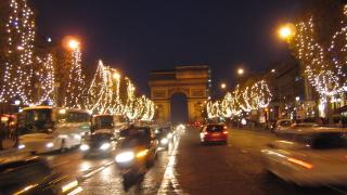 250 хил. българи в чужбина за празниците