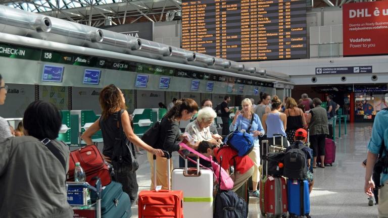 Италианският превозвач Alitalia се надява да защити пътниците си от