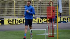 Холмар Ейолфсон тренира с Левски