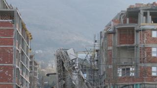 "Кулокран се срути в строеж до булевард ""България"""