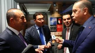 Ердоган убедил Даниел Митов на срещата на върха на НАТО да откаже цигарите