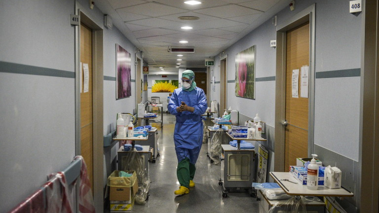 61 лекари са починали от коронавирус в Италия, съобщаватот Италианската