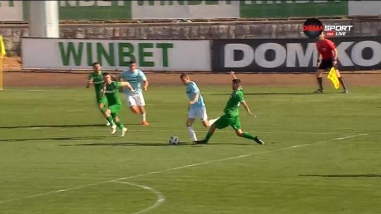 Ботев (Враца) - Дунав 0:0, Божинов не е в групата