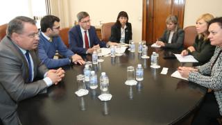 МВнР се заема да защити обвинените български граничари