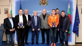 Министър Кралев се срещна с шампионите от Европейския рали трофей (Балканска зона)