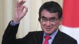 Японският министър за ваксинацията се включва в надпреварата за премиер