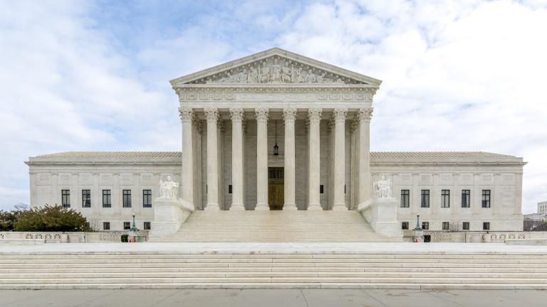 """Върховният съд решава съдбата на """"Обамакеър"""""""