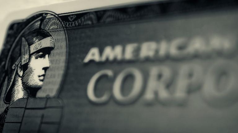 American Express Co. отчете първата си загуба за тримесечие от