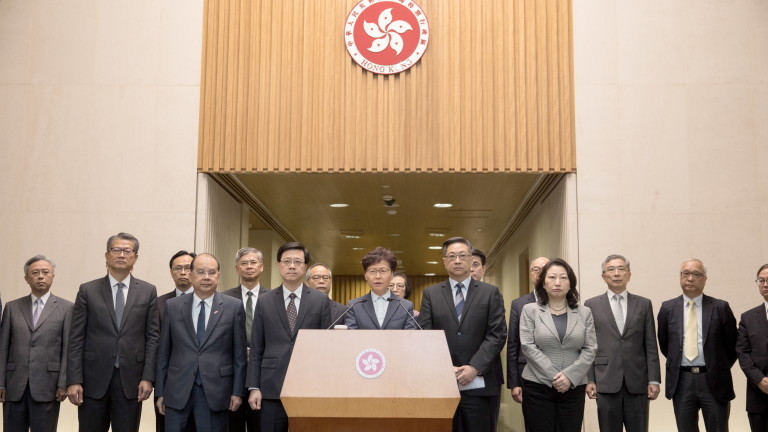 Китайската армия провежда учения до Хонконг, информира АП. Бригада обяви,