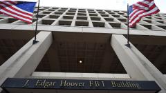 ФБР платило на професионални хакери, за да влезе в iPhone на Apple