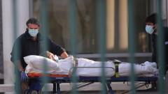 Гръцките власти присвояват частни клиники, за да лекуват заразени с Covid-19