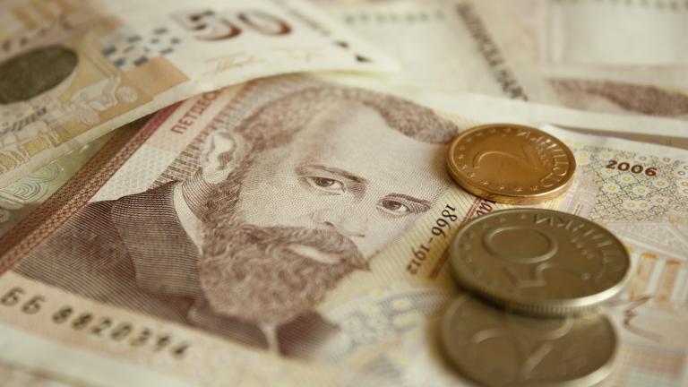 1373 лв. е средната заплата у нас през третото тримесечие на 2020 г.