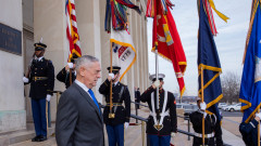 Подписан е указ за изтегляне на американски войски от Сирия