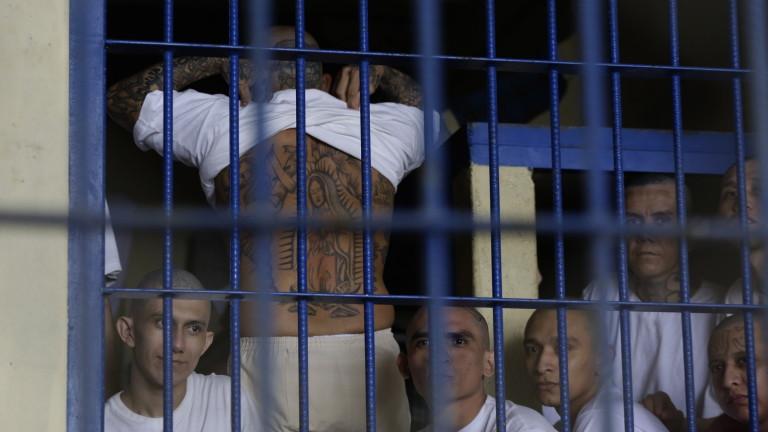 При безредици в затвора в град Уайкрос (щата Джорджия, САЩ)