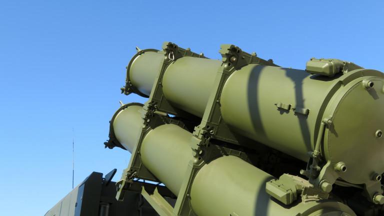 Русия удря цели в Черно море край Крим, докато Украйна и САЩ провеждат военни учения
