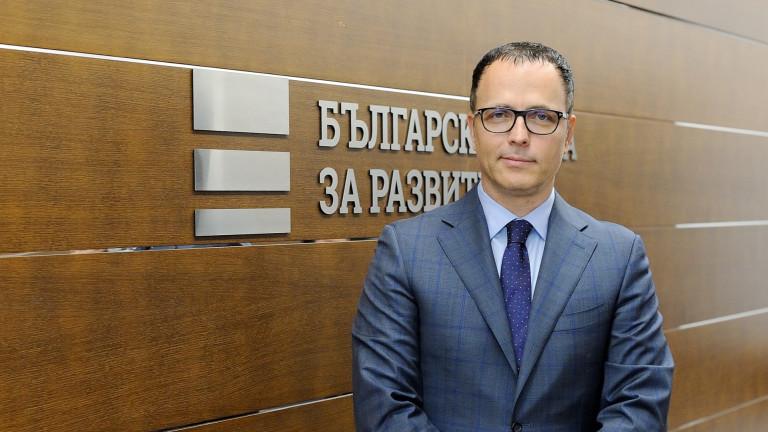 Стоян Мавродиев - магистър по право от СУ