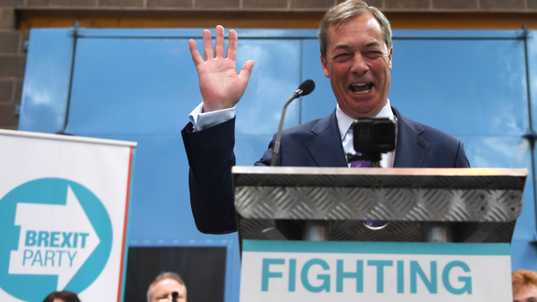 """Фарадж хвърля партия """"Брекзит"""" в евроизборите и готви """"демократична революция"""""""