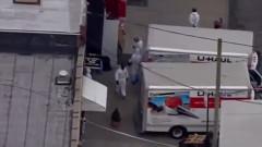 Коронавирус: В Ню Йорк откриха 50 трупа в камиони за лед
