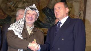 Бившият палестински лидер Ясер Арафат сключил пакт с Италия за ненападение