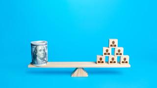 Как да разпознаем финансовите пирамиди?