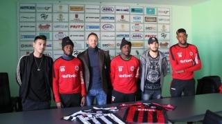 Аристоте Ндонгала каза колко по-различен е футболът в Горна Оряховица от този във Франция