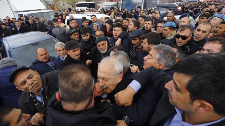 Шестима арестувани за нападение срещу лидера на опозицията в Турция