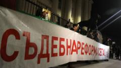 """Граждани искат да спрат """"опраскването"""" на съдебната реформа"""