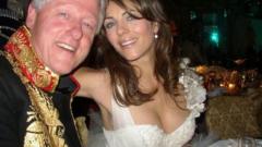 Бил Клинтън спипан с чужда жена