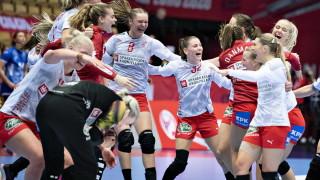 Дания изхвърли олимпийския шампион Русия от европейското по хандбал