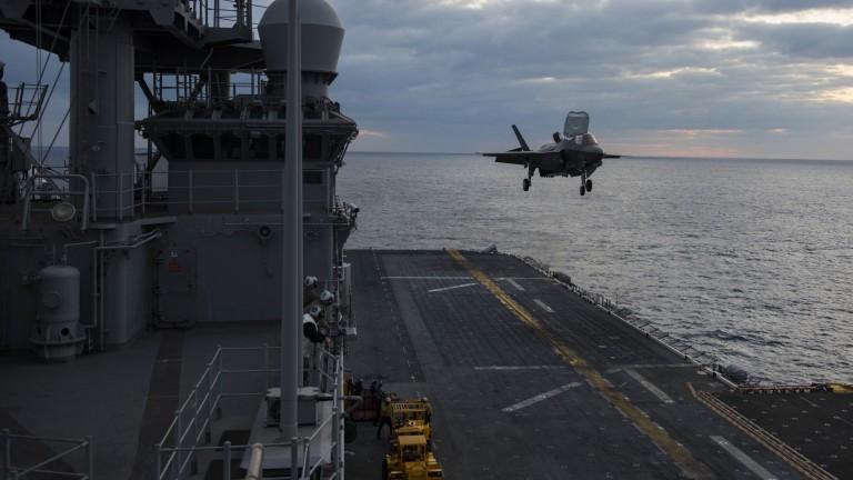 Китай отхвърля искане на американски военен кораб да посети Хонконг