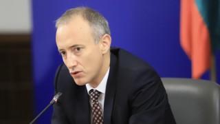 Има опасност учениците да се върнат вкъщи, предупреди Вълчев