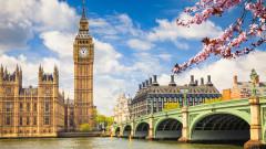 Заради мерките: Великобритания преминава през най-големия отлив на чужденци от Втората световна война