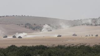 Боеве по турско-сирийската граница между джихадисти и турските военни