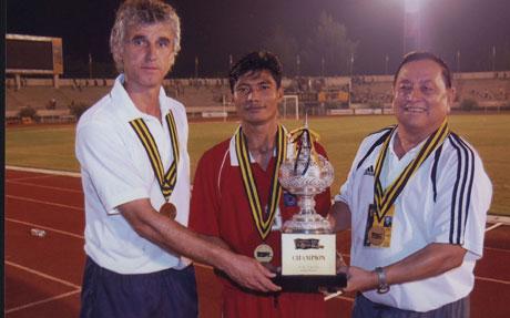 Иван Колев: В Индонезия са луди по футбола
