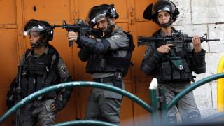 Палестинец простреля трима израелци на Западния бряг, двама починаха