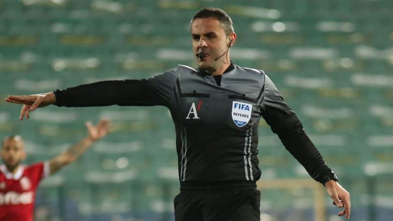 Водещите съдии в българския футбол - Волен Чинков, Никола Попов