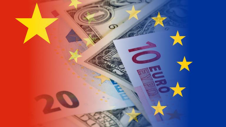 Китайските инвестиции в Северна Америка и Европа са паднали с над 70%