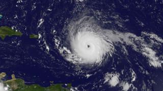 """Ураганът """"Ирма"""" се превръща в най-мощната буря в Атлантика"""