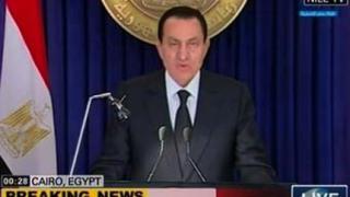 """Мубарак """"ремонтира"""" конституцията"""
