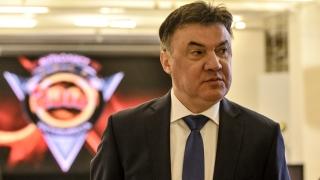 Боби Михайлов подаде оставка