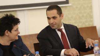 Караниколов защитава намаляването на ДДС за ресторантите