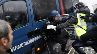 Париж се мобилизира за 1 май